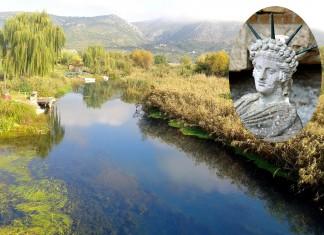 reljefna plastika božanstva Atisa